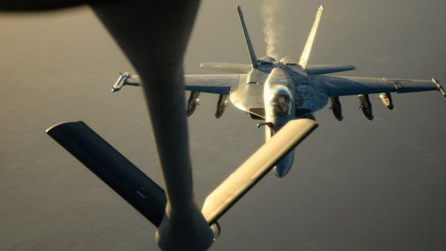 مقاتلة امريكية من طراز اف 18 اي