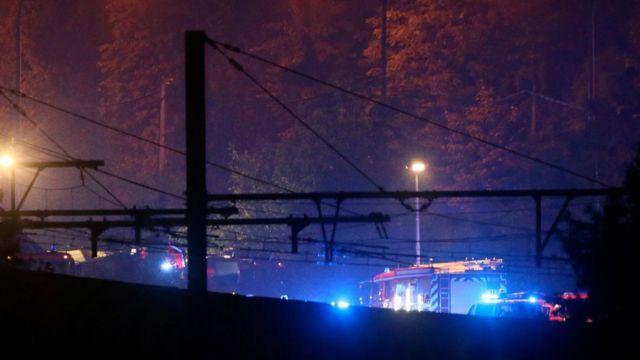 事故現場には救助隊が派遣された(6日)