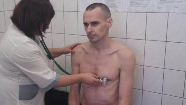 Олег Сенцов в больнице