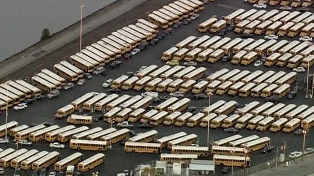 ロサンゼルスでテロ警戒のため全校休校