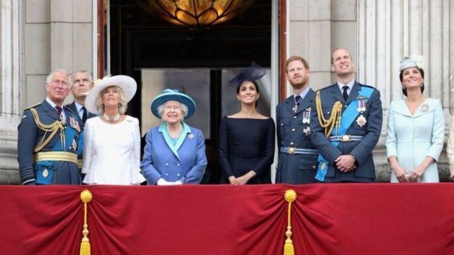 Buckingham Sarayı iddialara kısa bir açıklamayla cevap verdi ve istihdam konusunda yasalara tam olarak uyduğunu bildirdi