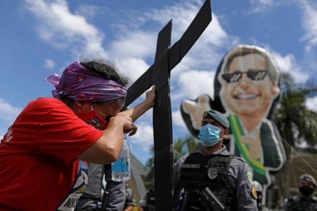 Protesto em Manaus contra atuação de Bolsonaro na pandemia