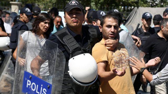 Protesta por la suspensión de maestros