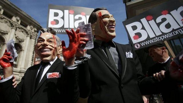 「Bliar(嘘つきブレア)」などと大勢が抗議