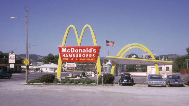 Restaurante McDonald's en 1968
