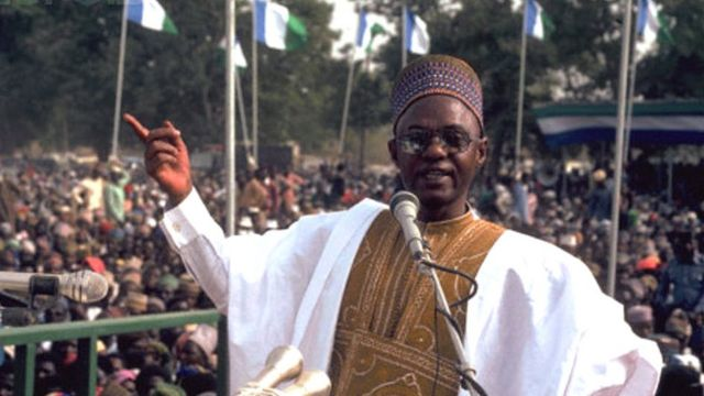 Shagari bin be Nigeria presido from1979 to 1983 afta e collect power from General Olusegun Obasanjo wey be di military Head of State den.
