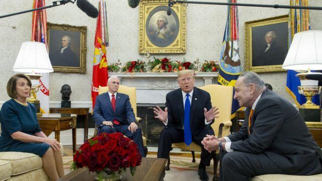 Трамп с Майком Пенсом, Нэнси Пелоси и Чаком Шумером