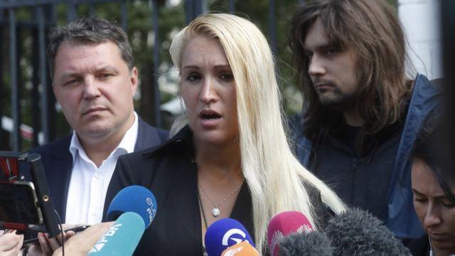 Anastasia Vassilieva speaking outside Hospital #64 in Moscow