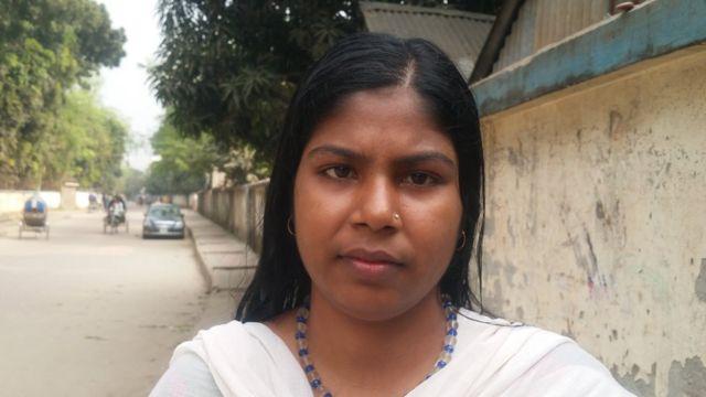 ঢাকার মহিলা গাড়িচালক সুফিয়া খাতুন