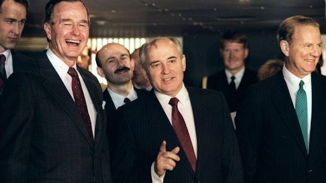 Буш, Горбачев, Бейкер