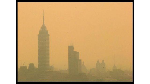 Imagem da Cidade do México, uma dos lugares mais poluídos do mundo, foi escolhida para o estudo da Universidade de Lancaster que identificou como partículas de sujeira vão parar no cérebro.