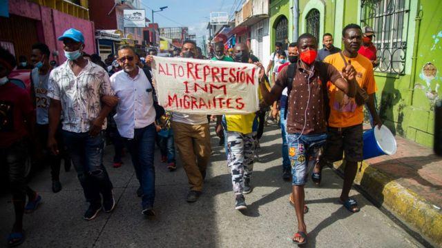 Protesta de haitianos en Tapachula.