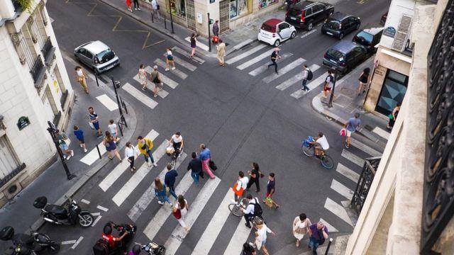 перекресток в Париже