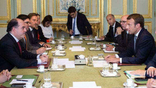 Julio Borges y Emmanuel Macron.