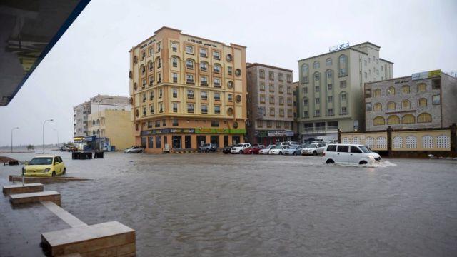 بخش مهمی از شهر صلاله دچار آبگرفتگی شده است