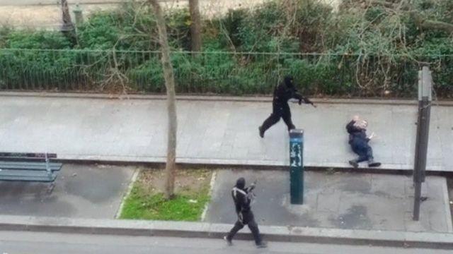 imagend e atacantes de la revista Charlie Hebdo
