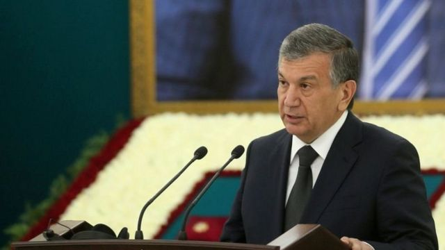 شوکت میرضیایف رئیس جمهوری ازبکستان خواستار رفع انسداد سرمایههای افغانستان در بانکهای خارجی شد