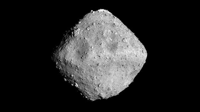 """""""Хаябуса-2"""" недавно прислал на Землю удивительные фотографии астероида Рюгу"""