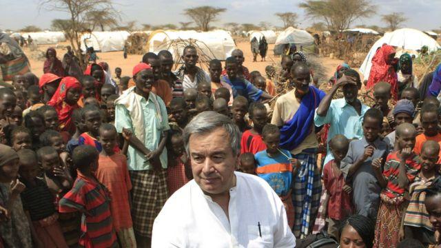 2011年7月、ケニア・ダバアブ郊外のソマリア難民キャンプで。