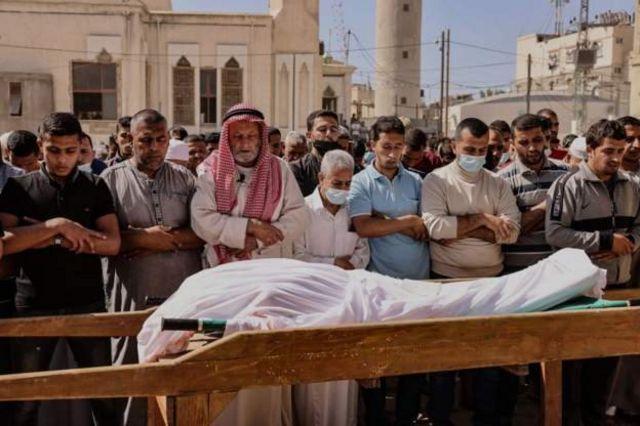 Pemakaman korban meninggal di Gaza.