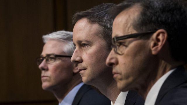 Адвокати Колін Стретч (Facebook), Шон Еджетт (Twitter) і Річард Салгадо (Google) дають свідчення в сенаті США