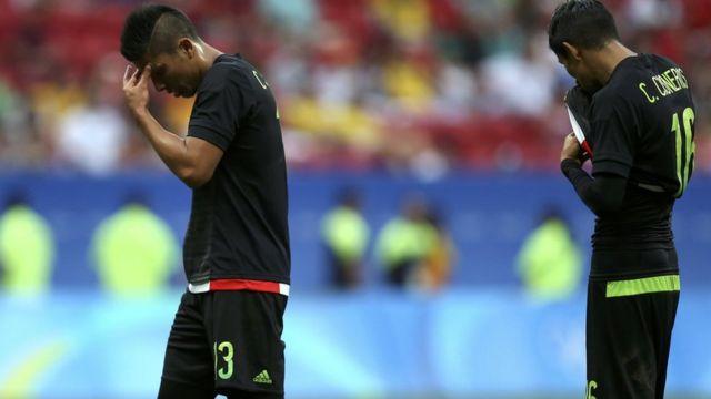 Dos jugadores mexicanos abatidos tras las derrota