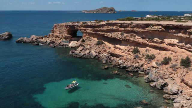 La costa de Ibiza.
