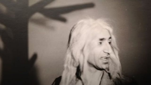 پرویز کاردان در تئاتر در انتظار گودو