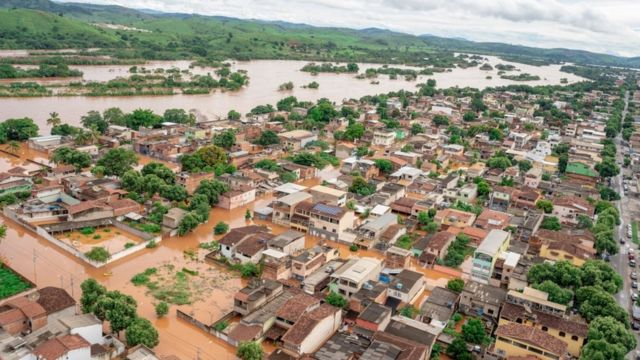 Fotos aéreas de Governador Valadares inundada em janeiro