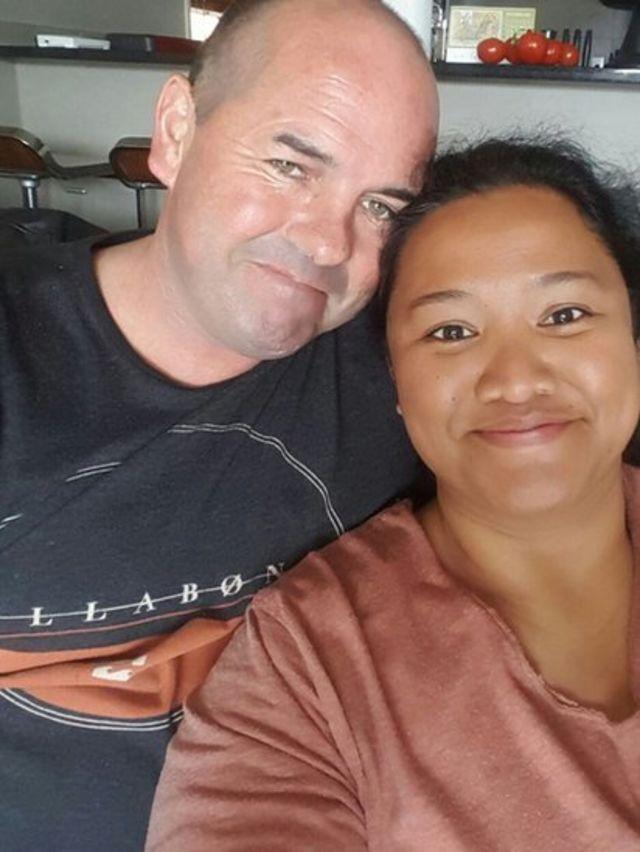 Agi Cakradirana dan suami -sehari sebelum gempa dan tsunami.
