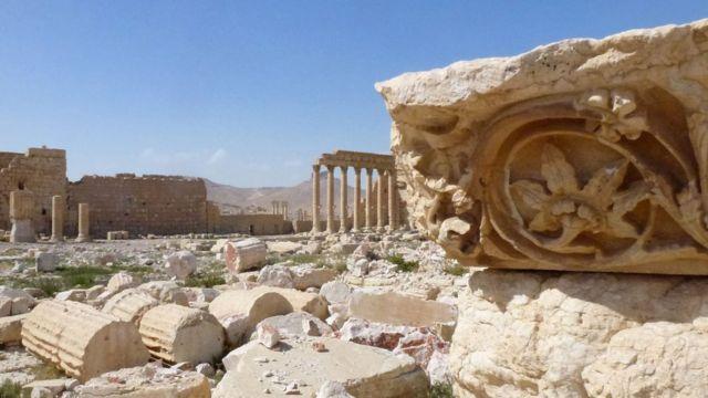 政府軍が奪還した後のパルミラの様子(27日)
