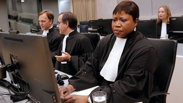 La procureur général Fatou Bensouda au siège de la CPI, à La Haye, le 27 septembre 2016 pendant la condamnation d'Ahmad Al Faqi Al Mahdi pour la destruction des sanctuaires de Tombouctou.