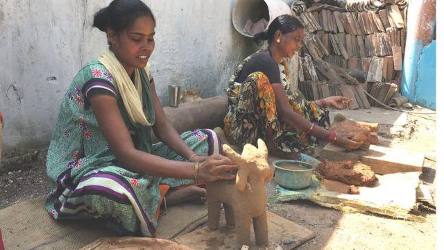 आदिवासी महिलाएं