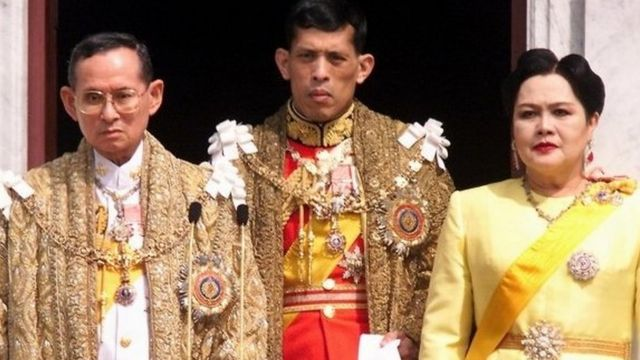 The Thai royal family in 1999