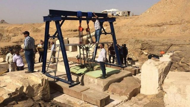 Egypt 'uncovers burial chamber of pharaoh's daughter'
