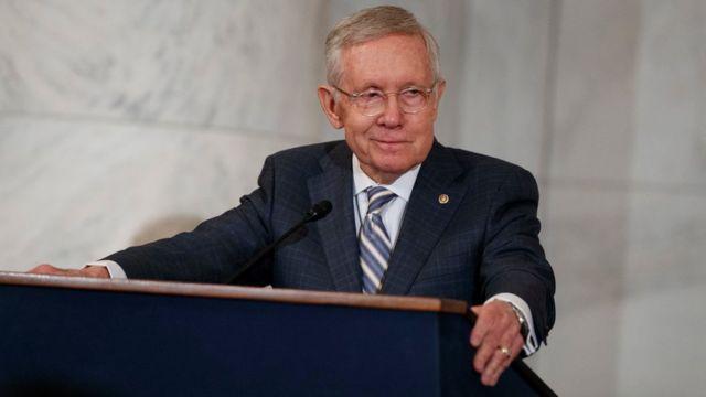 Harry Reid, lãnh đạo Đảng Dân chủ ở Thượng viện, cáo buộc FBI che giấu thông tin