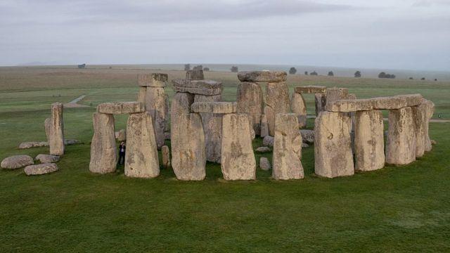 Hasil gambar untuk Batu Stonehenge Inggris
