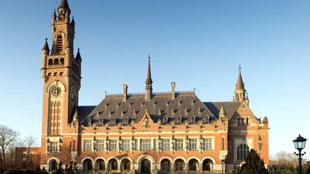 دیوان بین المللی دادگستری رکن قضایی سازمان ملل و مقر آن در شهر لاهه هلند است