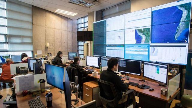 El centro de control del Centro Sismológico de Chile