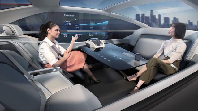 سرنشینان میتوانند داخل ماشین را به فضای برای خواب، کار یا تفریح تغییر دهند