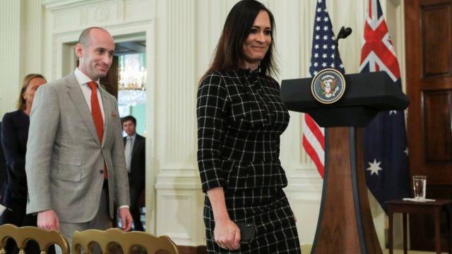 """La secretaria de prensa de la Casa Blanca, Stephanie Grisham, sugirió que Taylor forma parte de una """"campaña de difamación"""" organizada por la ultraizquierda."""