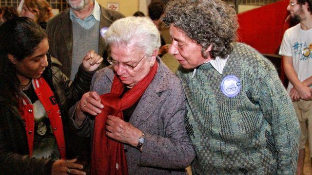 vendedora de artesanato Yara Maria dos Santos, de 60 anos