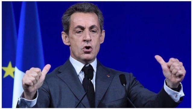 Prezida Sarkozy yamenyesheje ko azitoza kandi muri ico kibanza
