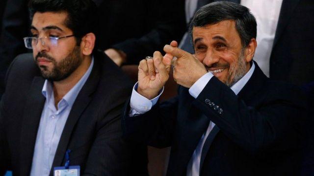 """Bw Ahmadinejad amewaambia waandishi habari kuwa hilo lilikuwa """"tu ushauri"""""""