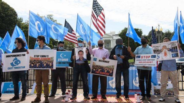 Protesto pelos direitos dos uigures em frente à Casa Branca