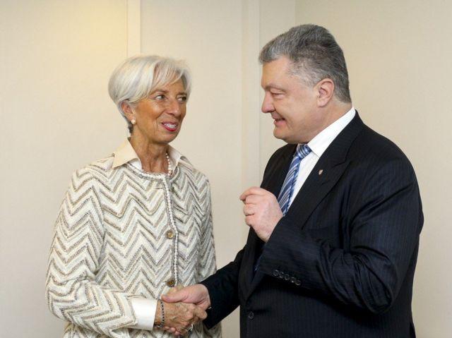 Керівник МВФ Крістін Лаґард і президент Петро Порошенко поговорили у Давосі про пришвидшення реформ