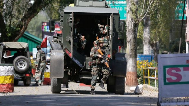 Indian army soldiers, kashmir