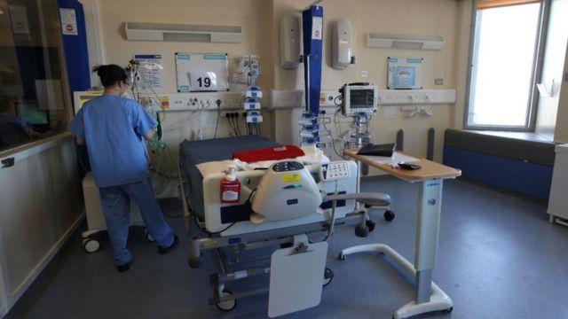 Hastanelerin üzerindeki aşırı yükün kaldırılabilmesi kararlarda kritik önem taşıyor