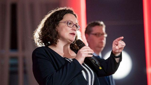лидер СДПГ Андреа Налес, лидер социалистов в Гессене Торстен Шефель-Гюмбель