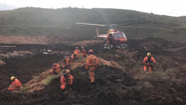 Equipes de resgate em Brumadinho (MG)